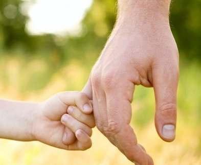 Брата умершего от истощения мальчика отдали биологическому отцу