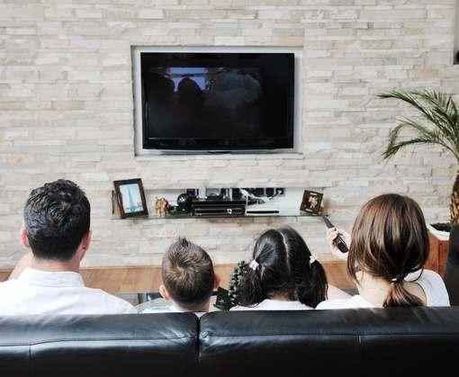 Сидение перед телевизором плохо влияет на сосуды