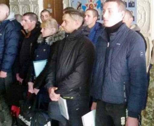 Харьковчан отправили в армию