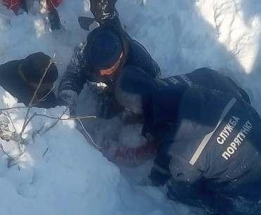 В Харьковской области девочку засыпало тоннами снега