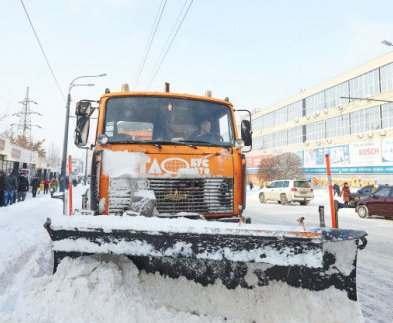 Снег из Харькова вывозят тоннами