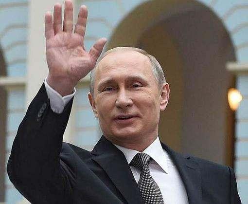 Владимир Путин едет на митинг в оккупированный Крым
