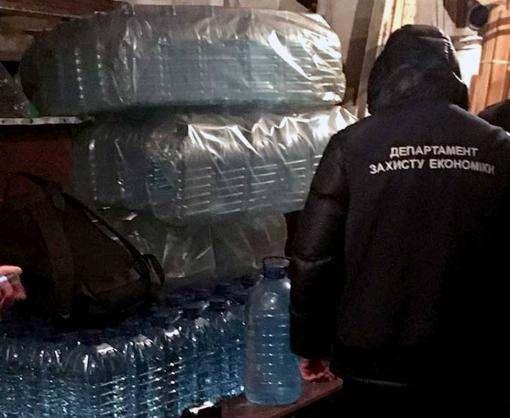 В Харьковской области изъяли тысячи литров фальсификата