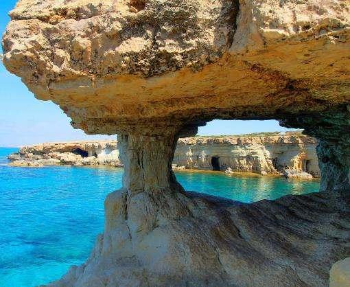 На курорте Кипра будут бороться с пьяными туристами