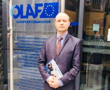 Специалист Харьковской обладминистрации уехал в Гаагу