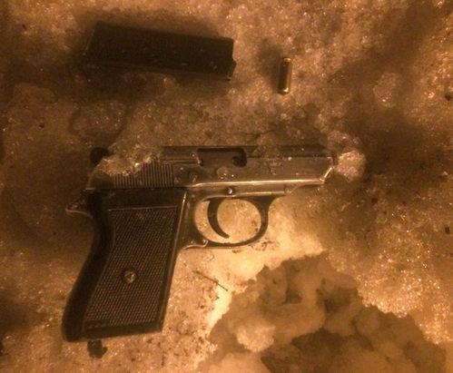 В центре Харькова задержали гражданина с пистолетом