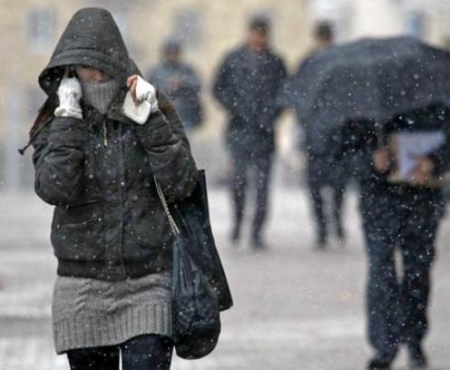 Погода в Харькове: мороз отступает, снег подсыпает