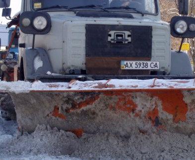 В Харькове убирают снег