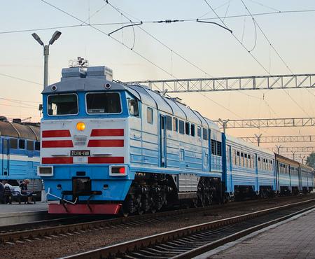 Под Харьковом поезд сбил человека