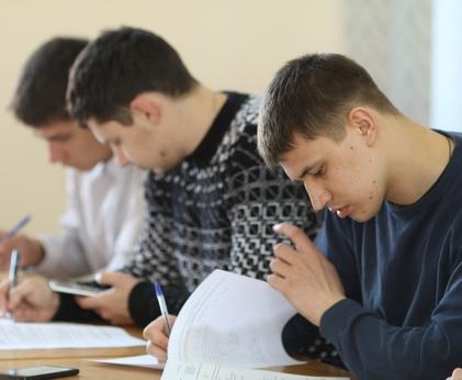 Молодые железнодорожники Харькова сражаются за поездку в Германию