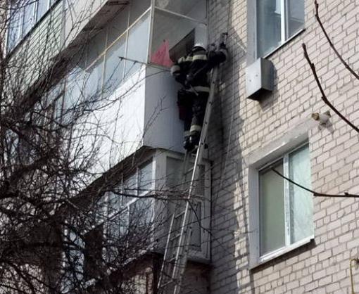 Девочка закрыла бабушку на балконе в Харьковской области