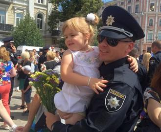 В Харькове появились школьные полицейские: видео