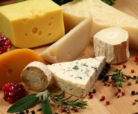 Что такое резиновый сыр и почему его не надо есть