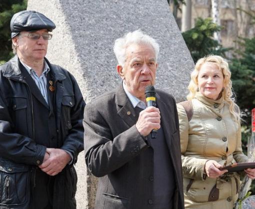 В Харькове митинговали по поводу космических реалий