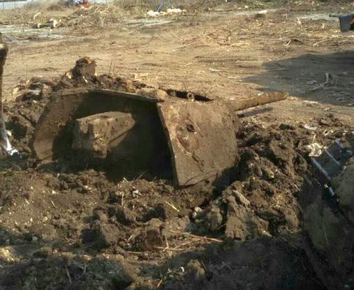 В Харькове нашли башню со снарядом внутри