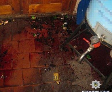 В Харьковской области покупатель стеклянной бутылкой зарезал продавщицу
