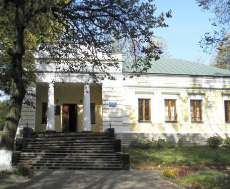 В Сковородиновке открывается выставка к Международному дню памятников