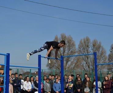 Харьковские воркаутеры проводят мастер-классы в школах