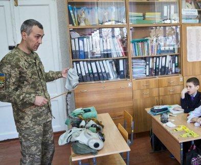 В школах Харькова проходят занятия по гражданской защите