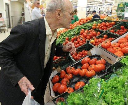 Сколько денег украинцы тратят на продукты: инфографика