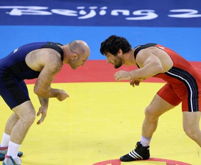Неспортивно: в Песочине тренер по сумо напал на тренера по борьбе