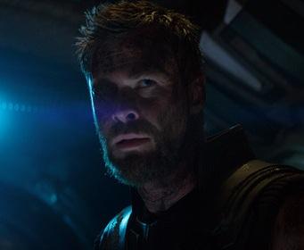 Режиссер новых «Мстителей» объяснил скандальную сцену с Тором