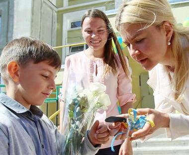 Дети-сироты получили ключи от новых квартир