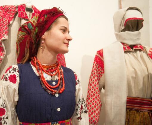 В Харькове открывается выставка украинской одежды