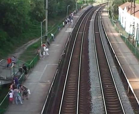 В Харькове электричка сбила насмерть неизвестного