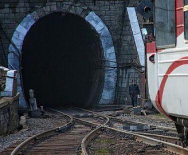 Бескидский тоннель планируют сдать в эксплуатацию к концу мая