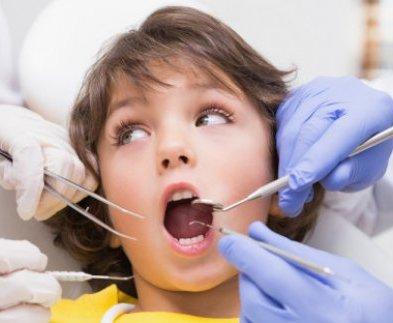 Зубы харьковских школьников одолевает кариес