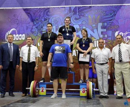 Харьковские тяжелоатлеты победили на чемпионате Украины