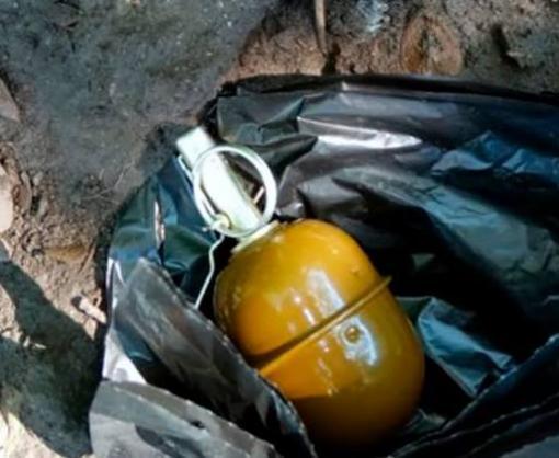 В Харькове под балконом жилого дома нашли боевую гранату