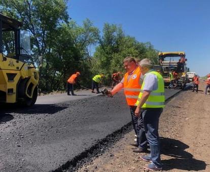 Самую разбитую дорогу Р-46 в Харьковской области обещают сделать европейским автобаном уже в этом году