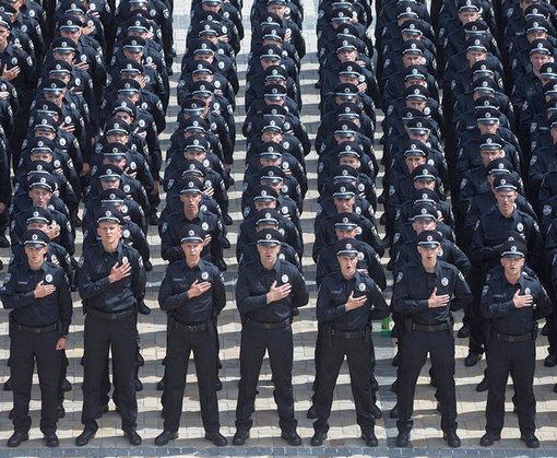 В центр Харькова стягивают силовиков