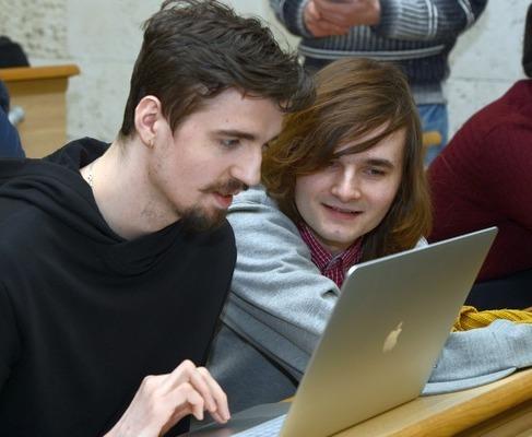 Молодые программисты Украины соревнуются за поездку в Японию