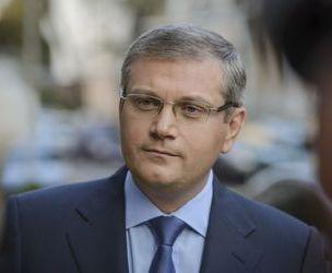 Оппозиционер обвиняет власть в фарсе