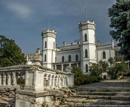 В Шаровском замке начинается ремонт