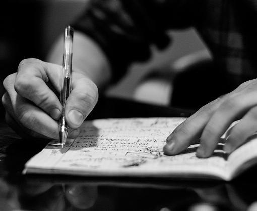 Пожизненники рисуют картины и пишут стихи