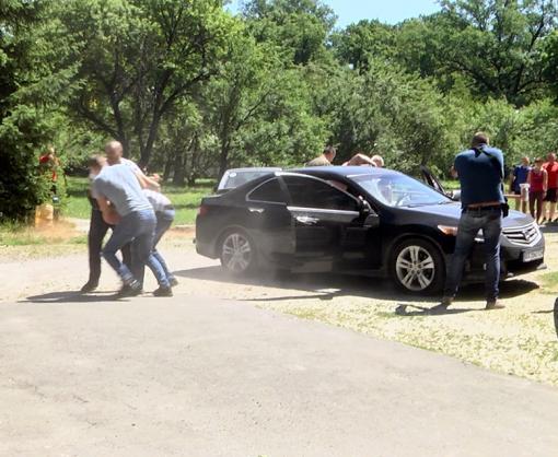 Харьковская полиция устроила «налет» на АЗС