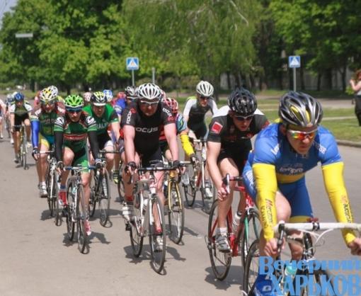 В связи с велогонкой «Вечернего Харькова» на некоторых улицах запрещается движение транспорта