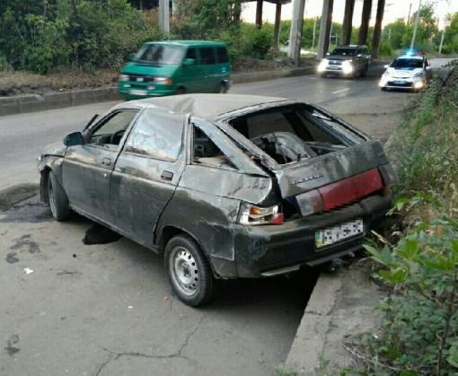 ДТП в Харькове: перевернулась машина, водитель в больнице