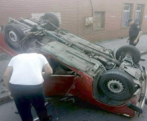 ДТП в Харькове: на Коцарской перевернулась машина