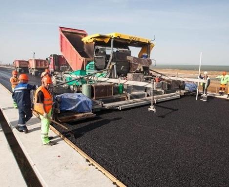 В Харькове на улице Луи Пастера ремонтируют дорогу