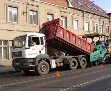 Как и где ремонтируют дороги в Харькове