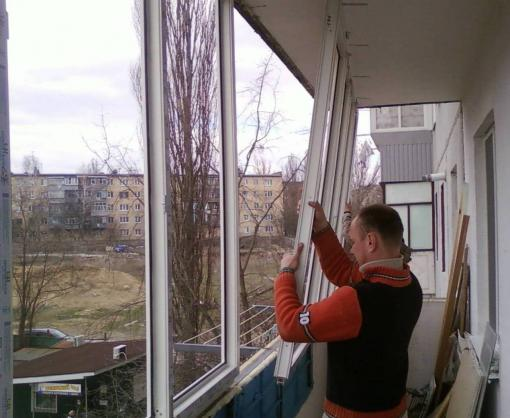 В Украине официально разрешат остеклять балконы