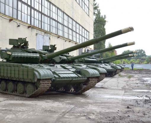 В Харькове блогеры спокойно проникли на танковый склад