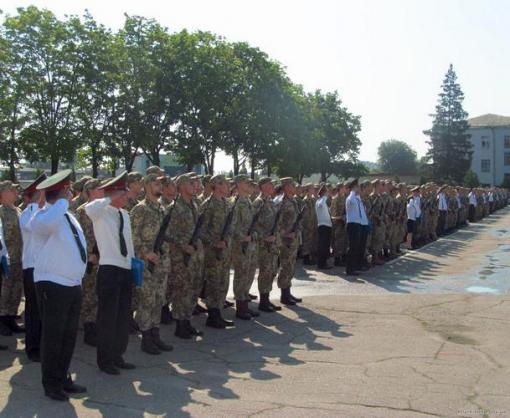 Выпускники кафедры военной подготовки офицеров запаса НТУ «ХПИ» приняли военную присягу
