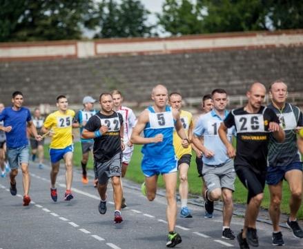 Украину на марафоне морпехов в США представят девять военных