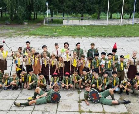 Харьковских детей отправили на сборы